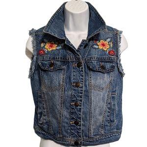 🔥HP🔥 American Rag Jean Floral Embroidered Vest
